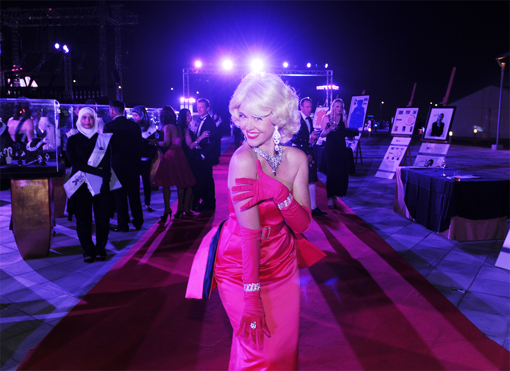 photo of dubai singer Andrea Leigh performing as Marilyn monroe
